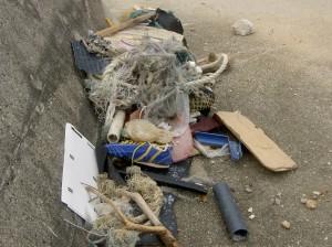南大東村漁業組合周辺清掃